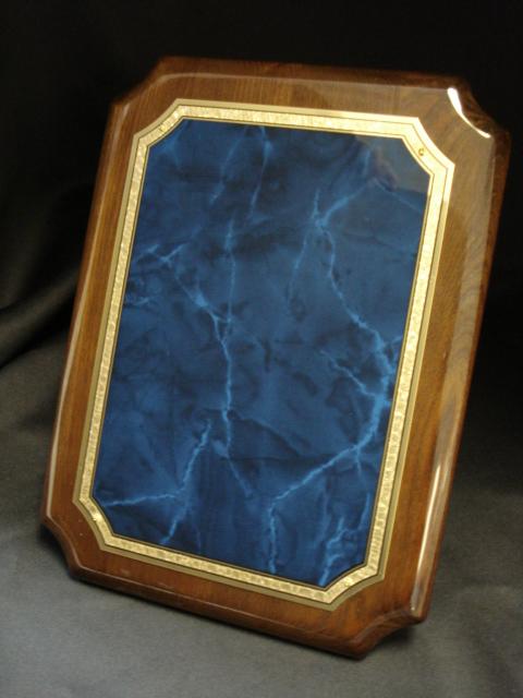Sapphire High Gloss White Laminate Platform Bedroom Set: P4212 Sapphire Plaque